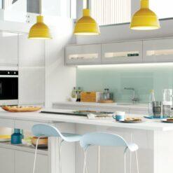 strada-gloss-light-grey-kitchen-hero-e1556302657878.jpg