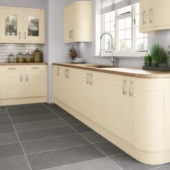 Tewkesbury shaker Kitchen - Painted Cream, from Riley James Kitchens Gloucestershire
